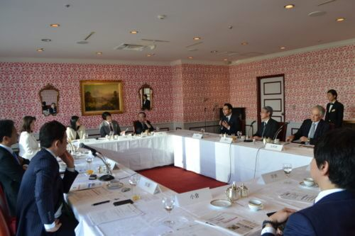 Photograph of what the Diet Member Briefing on Global Health looked like.
