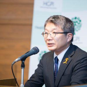 Photograph of Mr. Kuniaki Miyake.